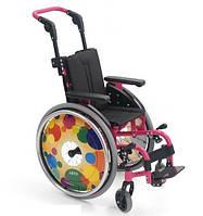 Лёгкая инвалидная коляска для детей PIKO Kury