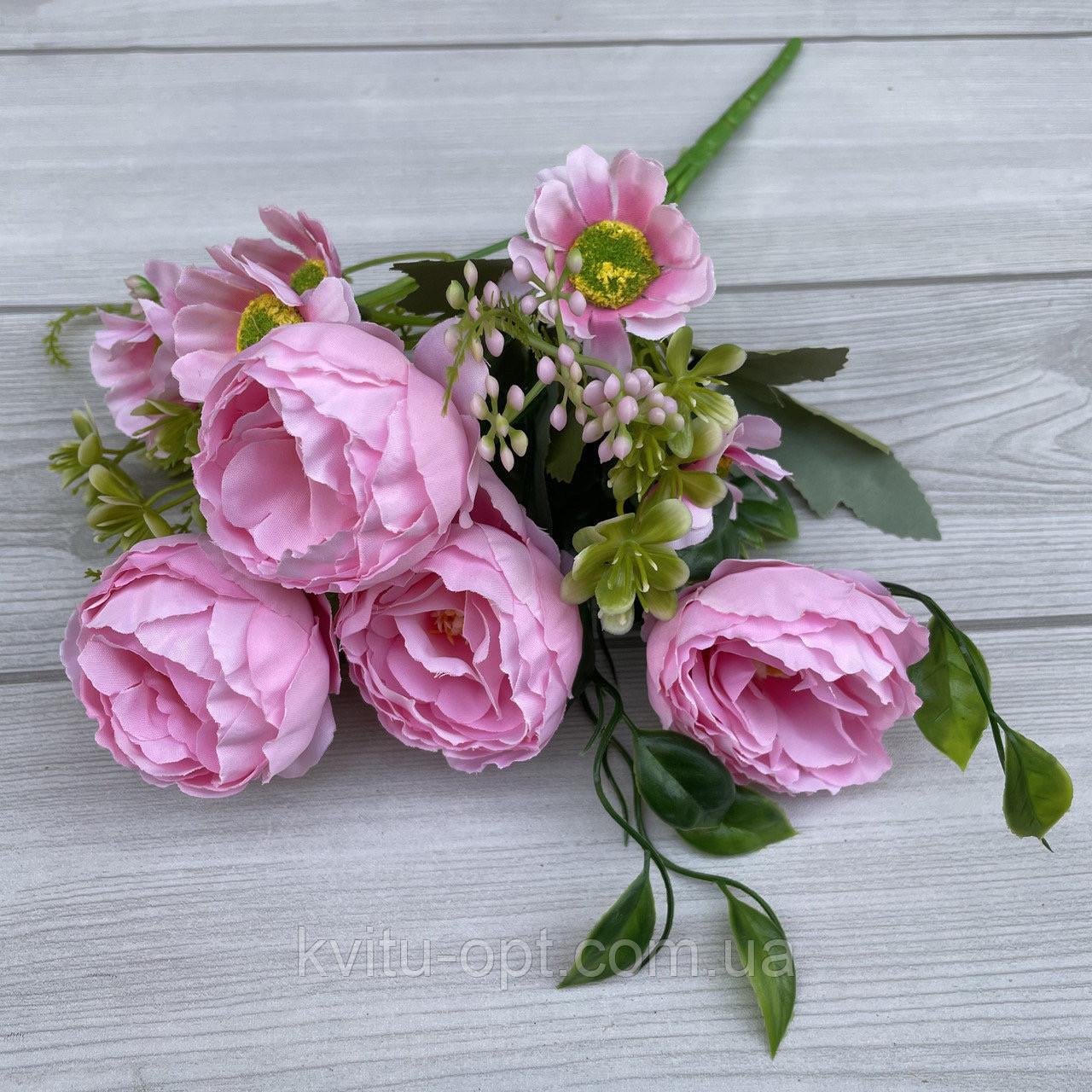 Букет пионов с ромашкой и ягодой розовые 32см