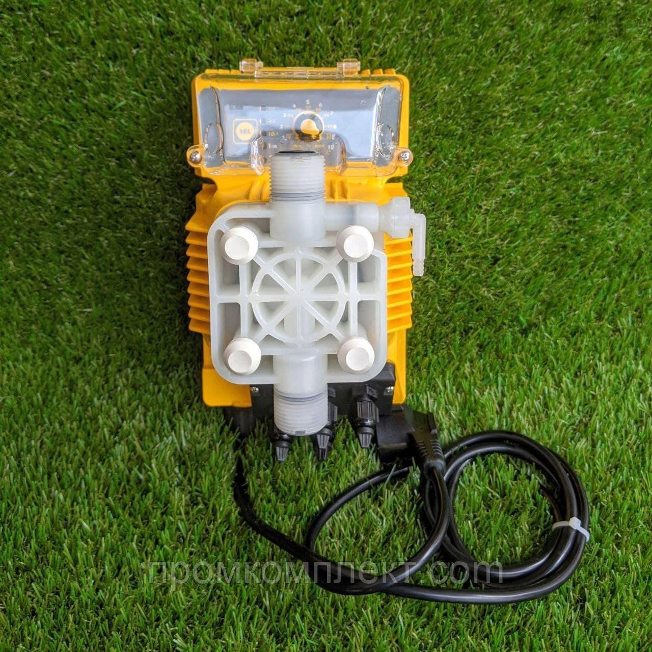 Электромагнитный аналоговый мембранный дозирующий насос Athena 3 AT.BL (Injecta)