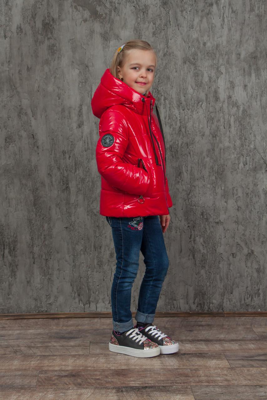 Демисезонная куртка на девочку блестящая лаковая на весну и осень, модель Альбина, 134-152