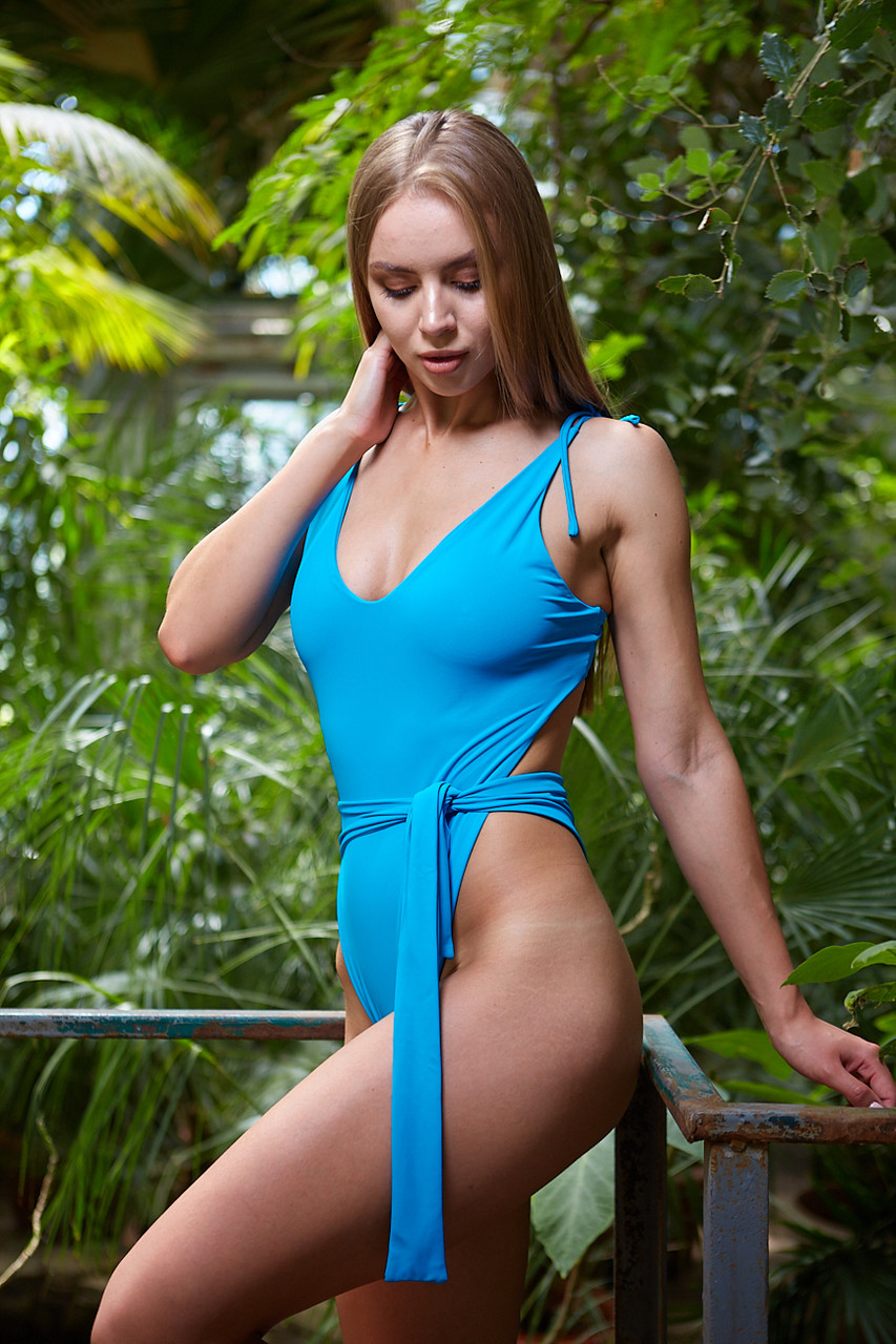 Жіночий пляжний купальник Blue Waves oversize