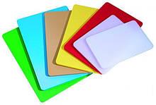 Дошка обробна пластикова різних кольорів 400 * 300 * 50 мм (шт)