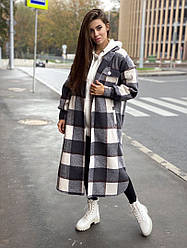 Женское пальто в клетку ,свободного кроя
