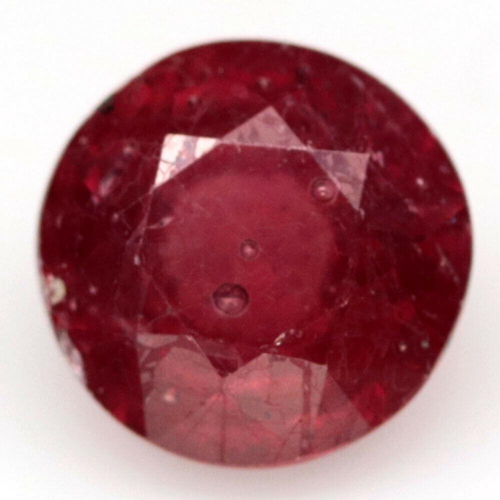 2.02 кт. Природний червоний рубін Мадагаскару коло 7.1 мм.