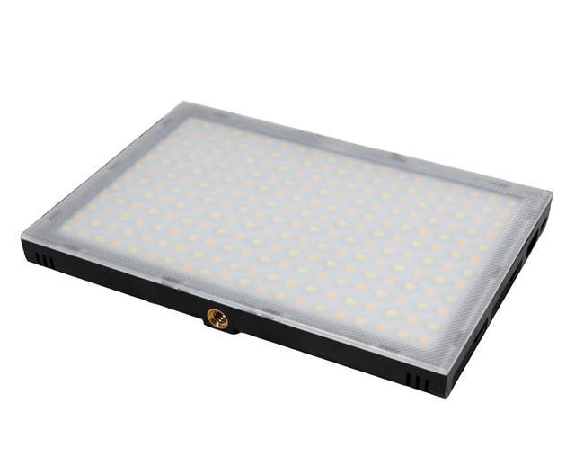 Видеосвет, LED панель LUXCEO P02 передня панель