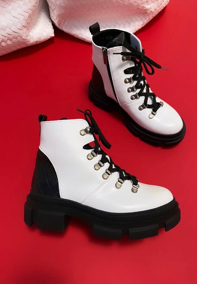 "Женские ботинки""Белые"""