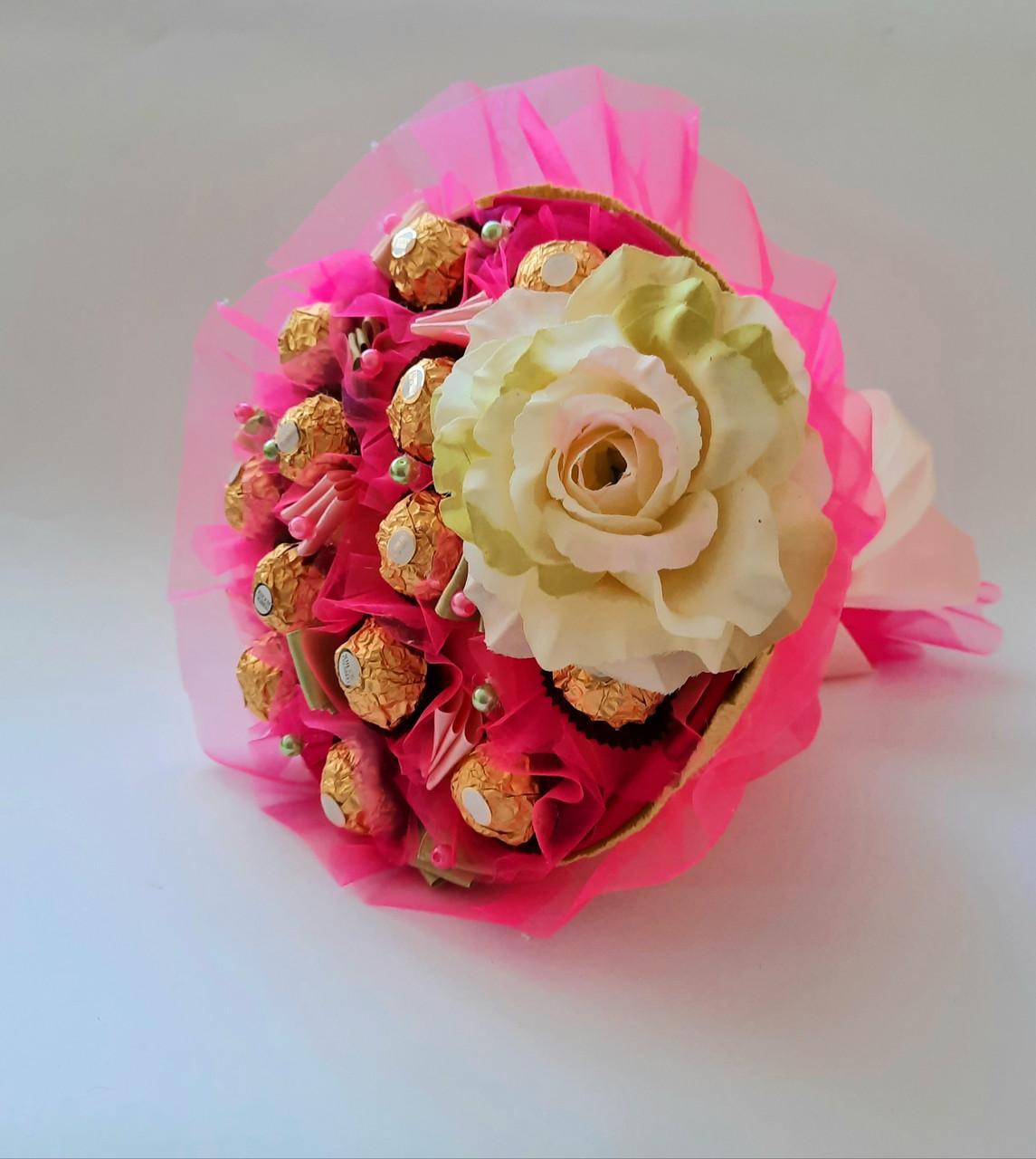 Букет з цукерок Ferrero Rocher Прованс смачний солодкий оригінальний подарунок дівчині