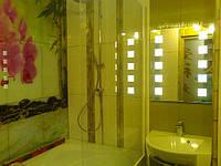 Макияжное зеркало с подсветкой в ванную комнату