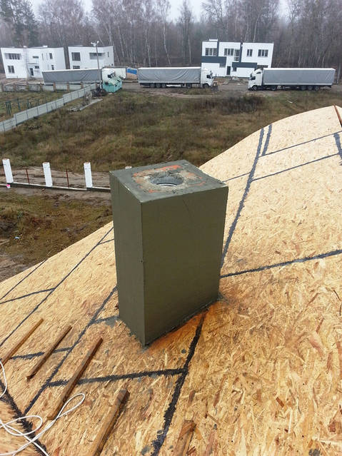 Подготовка кирпичного дымохода для монтажа гибридного вентилятора.
