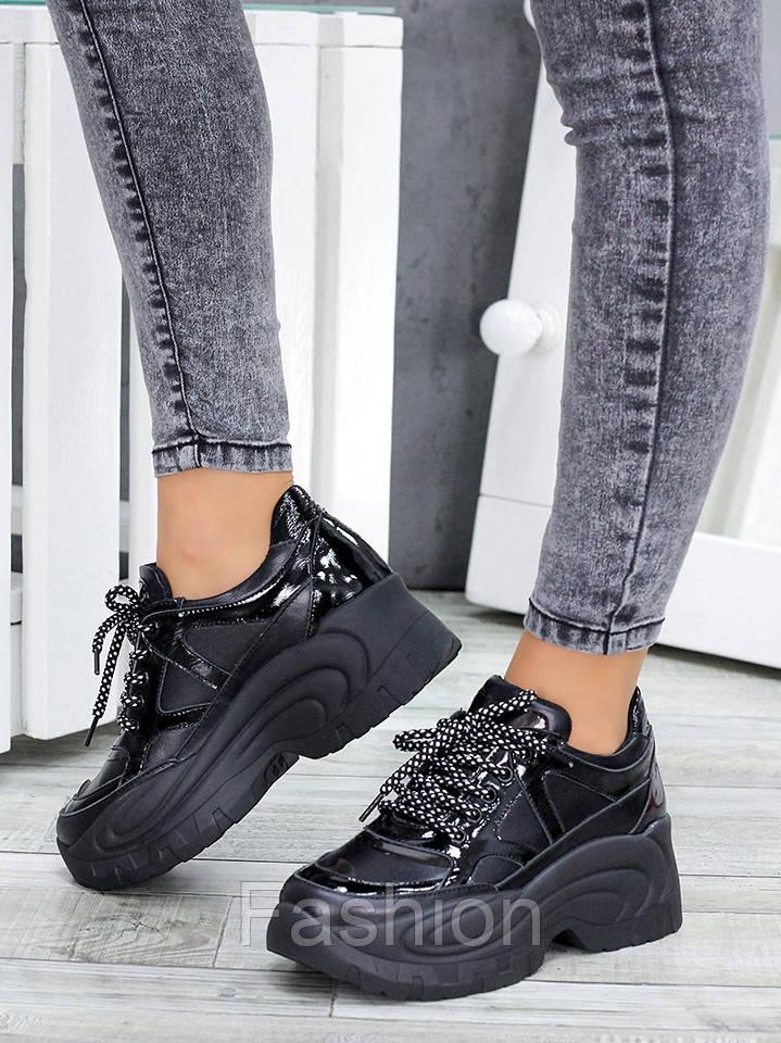 Жіночі кросівки шкіряні на високій підошві