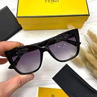 Жіночі сонцезахисні квадратні окуляри Фенді репліка, фото 1