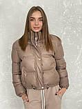 Жіноче зимове пальто на запах під пояс з накладними кишенями зі спущеними кишенями, фото 3