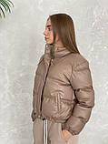 Жіноче зимове пальто на запах під пояс з накладними кишенями зі спущеними кишенями, фото 7