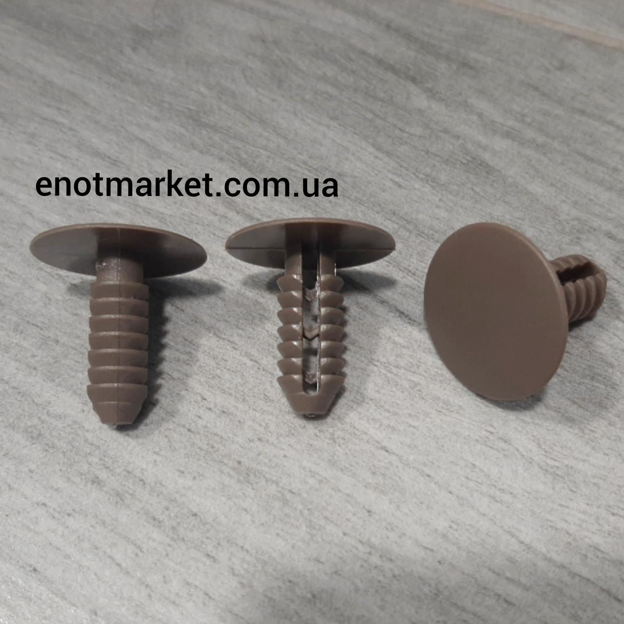 Кріплення універсальне ялина для багатьох марок багатьох моделей..