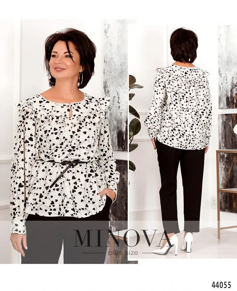 Яскрава блуза батал з оборками на грудях та декором Розміри: 44-46,48-50,52-54