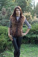 Женская жилетка из натурального меха енота