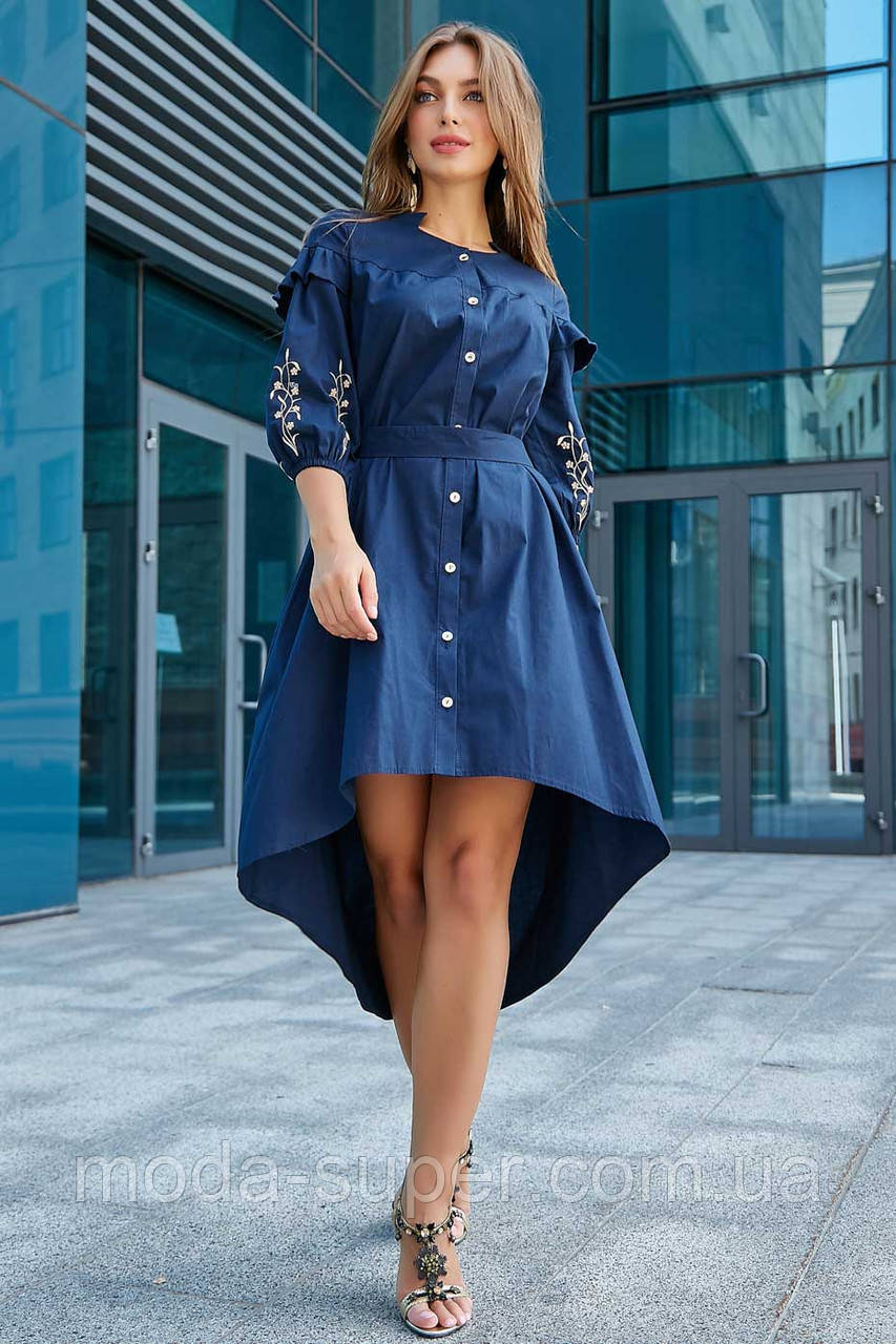 Жіноче плаття з рюшами і з вишивкою
