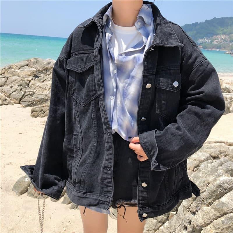 Джинсовая куртка женская в черном цвете в фасоне оверсайз (р. 42-46) 83kr598