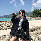 Джинсовая куртка женская в черном цвете в фасоне оверсайз (р. 42-46) 83kr598, фото 6