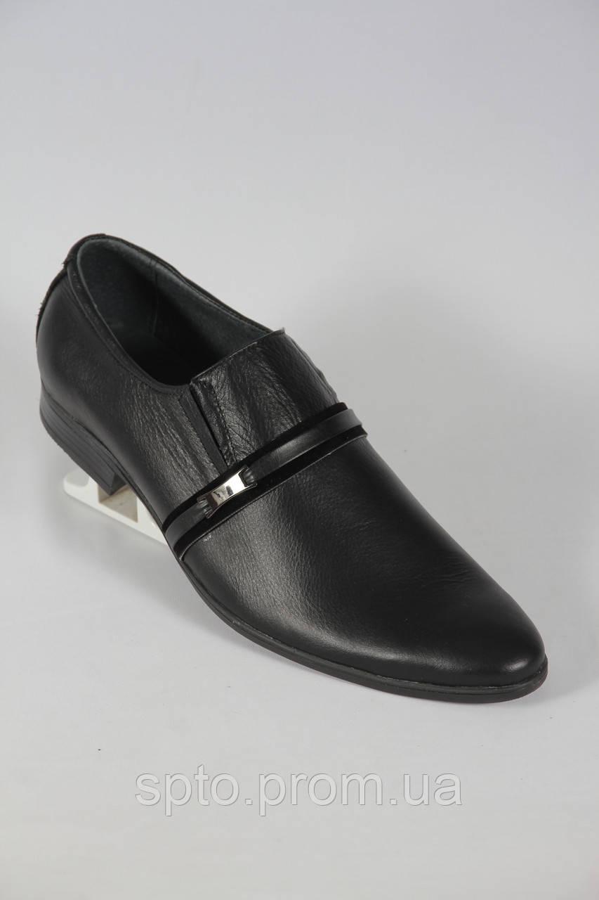 Мужские кожаные модельные туфли черного цвета