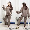 Стильний молодіжний жіночий костюм трійка оверсайз: завужені штани і широка кофта і шорти, фото 2