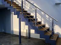 Лестница на второй этаж из металла