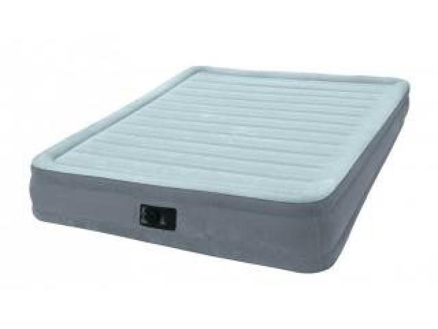Надувне ліжко-матрац Intex Comfort-Plush Mid Rise Queen 67770 L вбудований електро насос