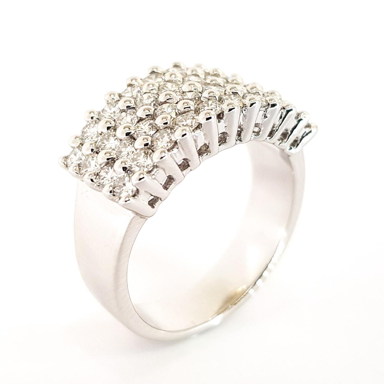Золоте кільце з білого золота доріжка з діамантами