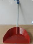 Совок лопатка с металлической ручкой