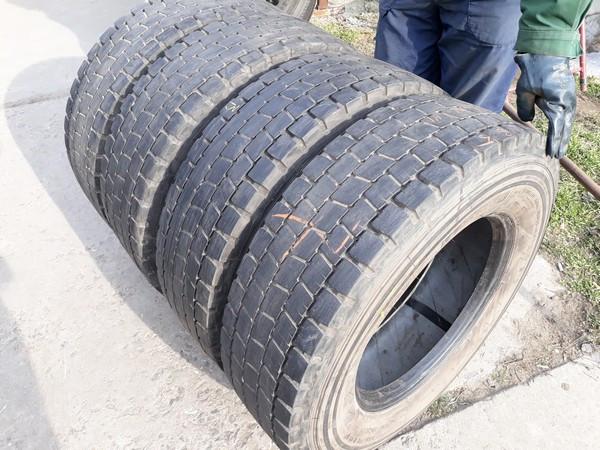 Шины б.у. 235.75.r17.5 Michelin XDE2 Мишлен. Резина бу для грузовиков и автобусов