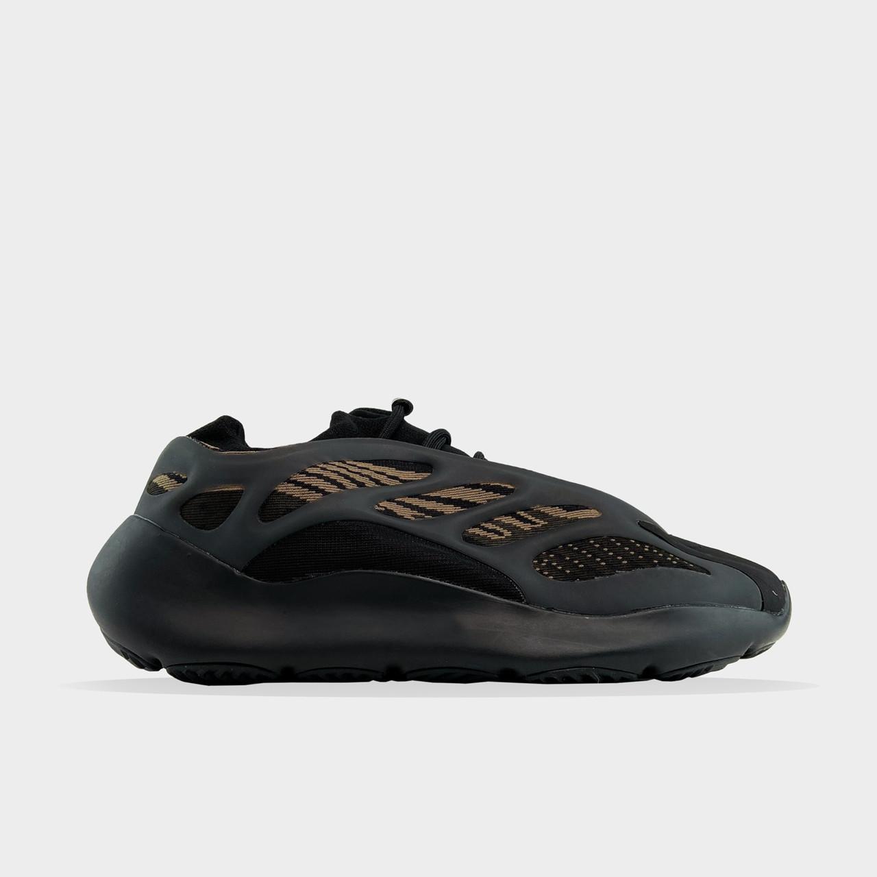 Чоловічі кросівки Adidas Yeezy Boost 700 V3 Black Brown