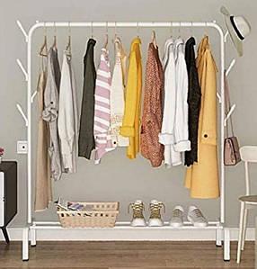 Одинарная стойка для одежды белого цвета