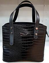 Женская черная под крокодила сумка Dior из турецкой эко-кожи с отделами на магните по бокам 28*24 см
