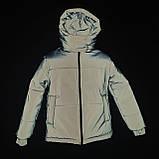 Світловідбиваюча жіноча куртка з рефлективної тканини з капюшоном р-ри 38-48 Ванда Рефлектив, фото 2
