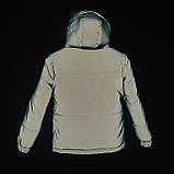 Світловідбиваюча жіноча куртка з рефлективної тканини з капюшоном р-ри 38-48 Ванда Рефлектив, фото 8