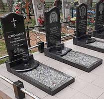 Памятники с цветниками и надгробной плитой 1