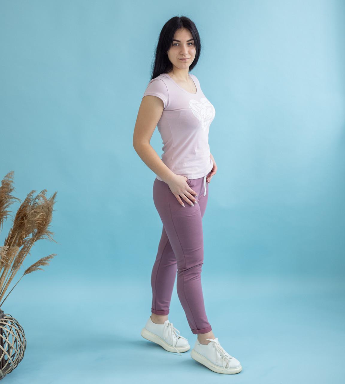 """Жіночий повсякденний комплект футболка зі штанами """"Перо - пудра"""" р. 42-50"""