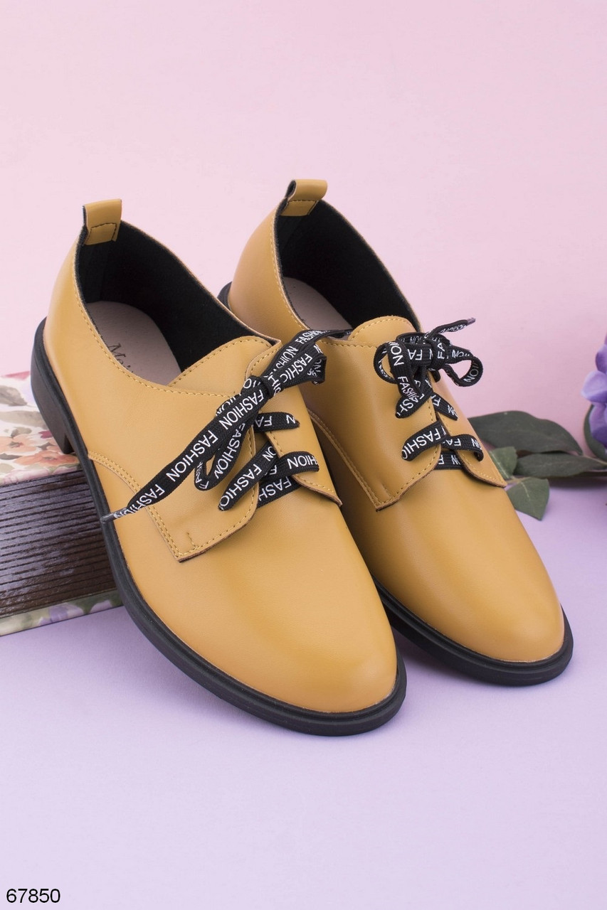 Стильні туфлі жіночі на шнурках жовті еко шкіра