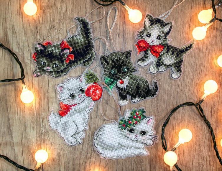 LETI 987 Christmas Kittens Toys. Набір для вишивки хрестиком LetiStitch