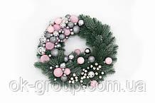 Венок рождественский новогодний D30 литая хвоя новогодние шары и бусинки