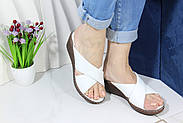 Шльопанці жіночі шкіряні на танкетці Aras Shoes 245-beyaz, фото 2