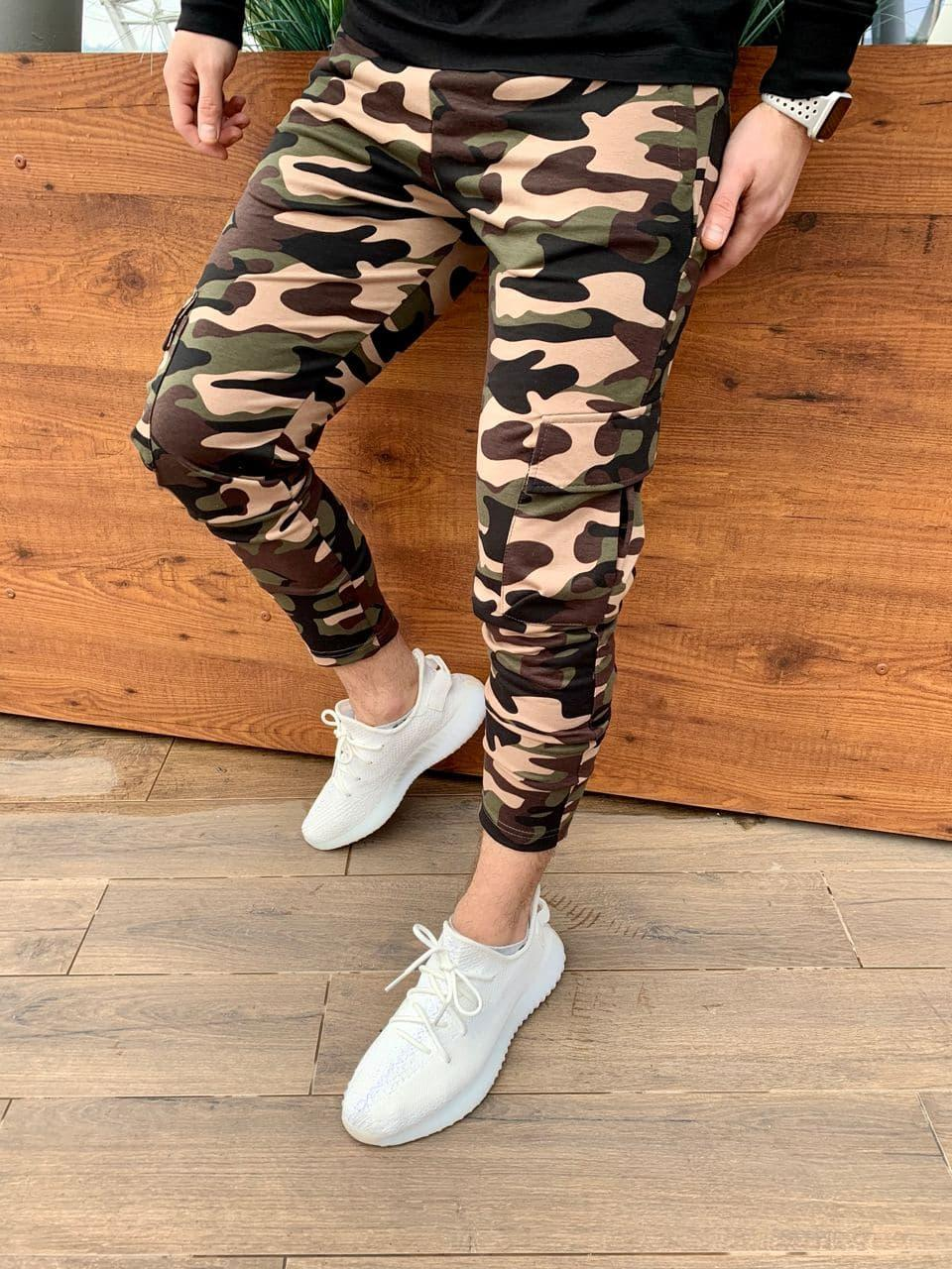 Штаны мужские Карго Слим камуфляжные. Стильные мужские спортивные штаны карго камуфляж.