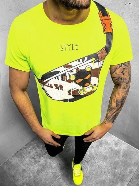Футболка мужская кислотного цвета с принтом Бананка. Яркая мужская футболка желто-салатовая с модным принтом.