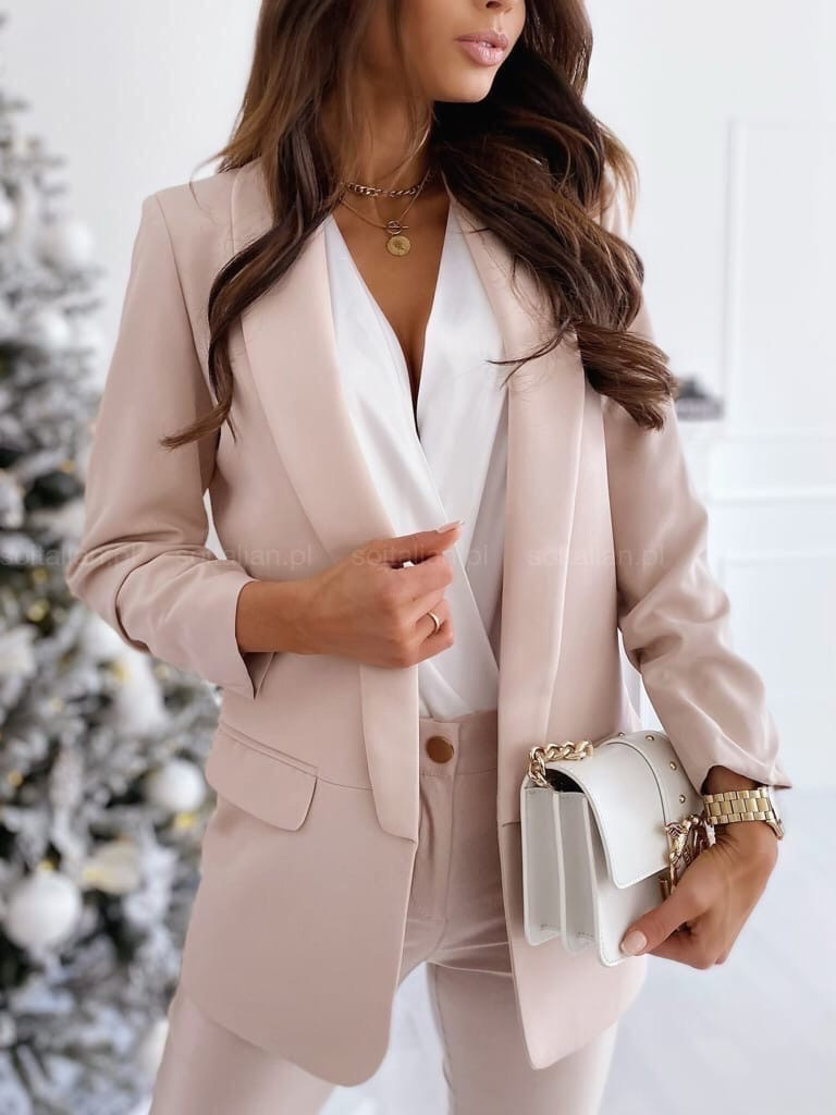 Женский пиджак, креп - костюмка класса люкс, р-р С-М; М-Л (бежевый)