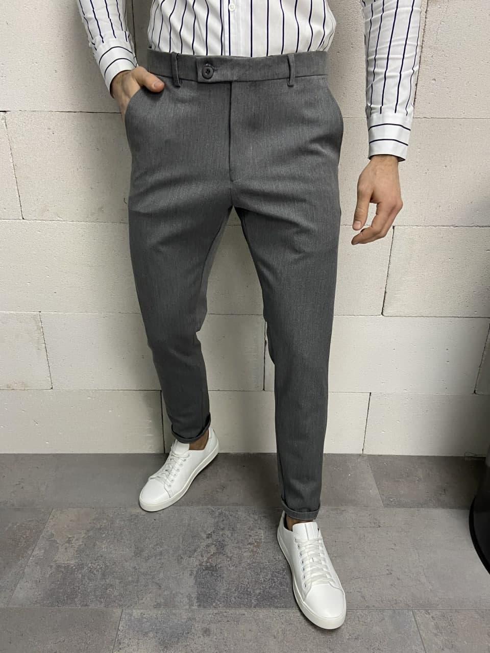Классические серые мужские брюки