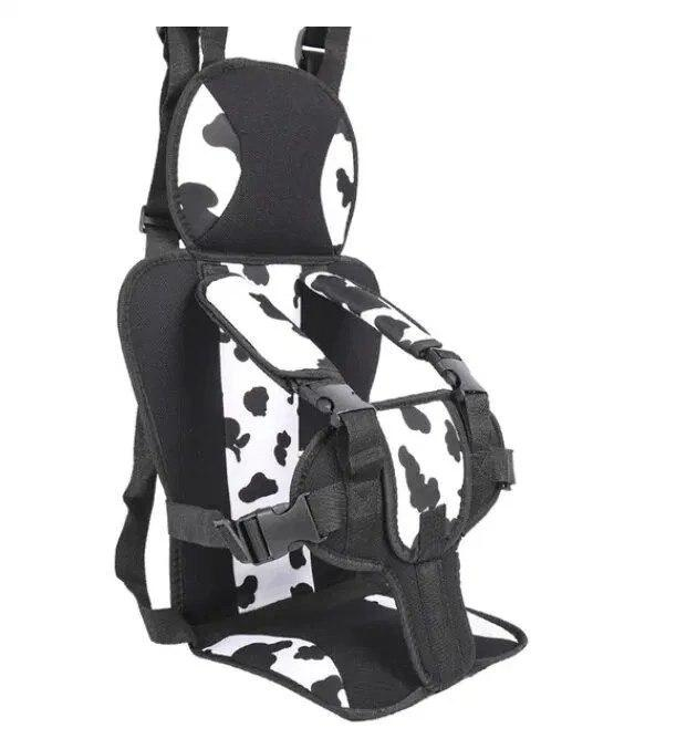 Портативное бескаркасное детское автокресло черно-белое (корова)