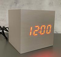 Настільний годинник VST-869-1 світле дерево з червоним підсвічуванням