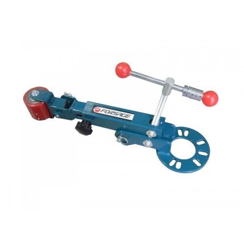 Механическое приспособление для правки колесных арок