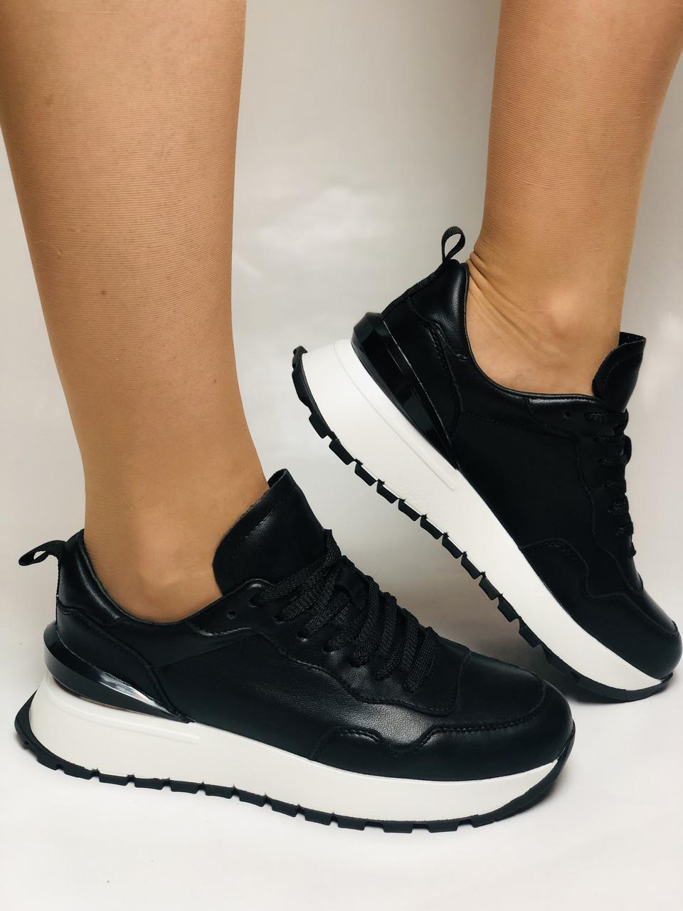 Farinni. Натуральная кожа. Женские черные кеды-кроссовки на белой подошве. Размер 36.37.39.