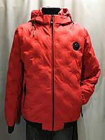 Мужская красная куртка на весну